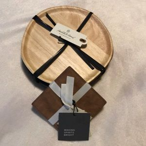 Solid wood plates & faux leather coasters bundle